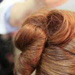 結婚式の髪型にマナーはある?カチューシャ、髪飾りはNG?
